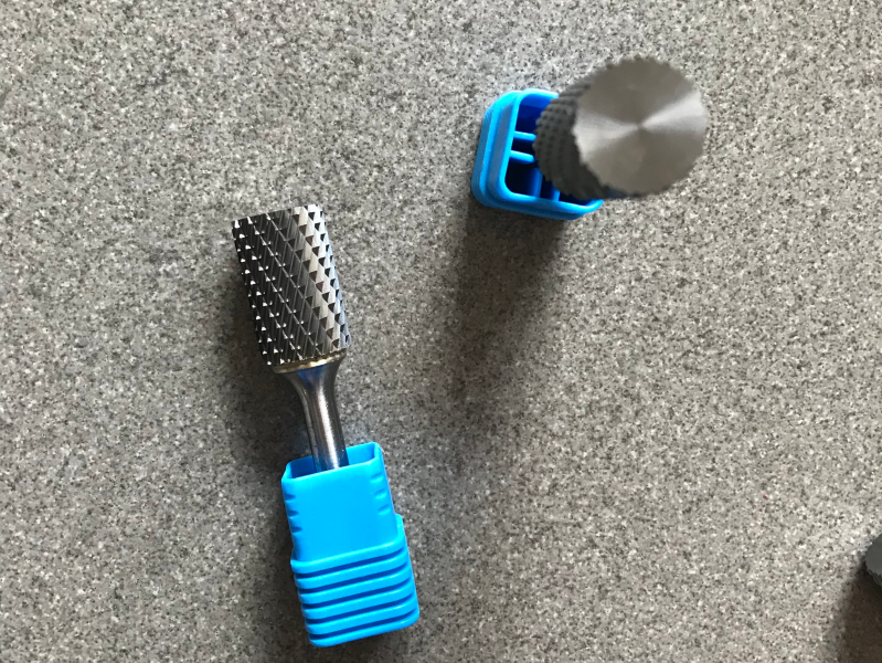 A Type Cylinderical tungsten carbide burr especially for convex and concave areas